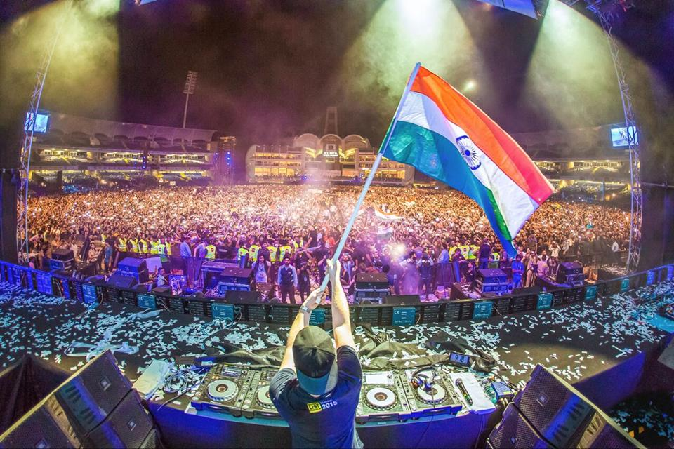 World renowned dj hardwell performs for thousands of kids from hardwell mumbai guestlist thecheapjerseys Choice Image