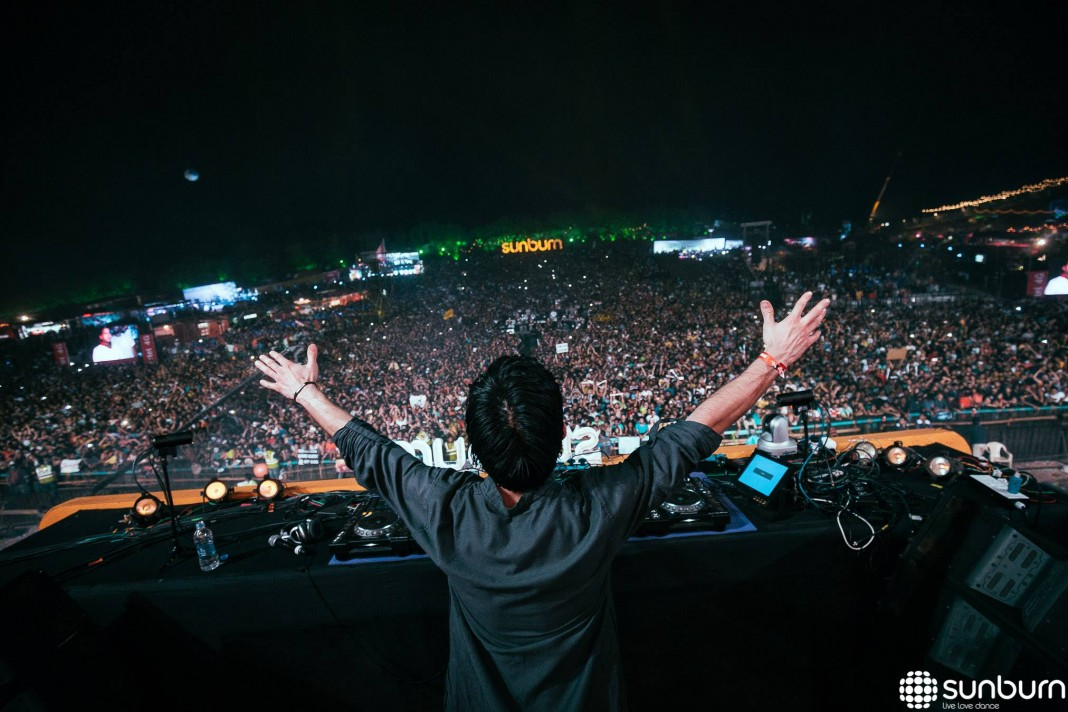 "Watch KSHMR playing ""Kajra Re"" live at Sunburn Goa"